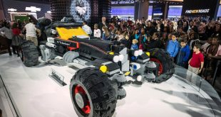 Chevrolet-LEGO-Batmobile-at-2017-Detroit-auto-show-2